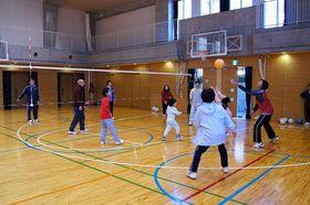 親子バレーボール教室で2・3月にソフトバレーボールをします。